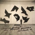 Schwarzes Quadrat oder fliegende Geometrie