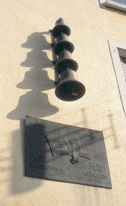 Saarlouis, Hesse, Gedenktafel