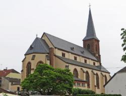 Merzig-Hilbringen, Pfarrkirche St. Petrus zu den Ketten