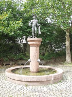 Dillingen, Groß, Brunnen