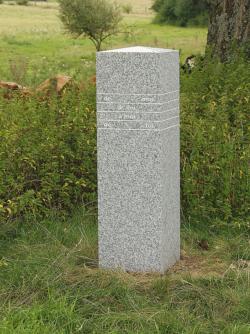 Ueberherrn und Berviller en Moselle, Tänzer, Grenzstein