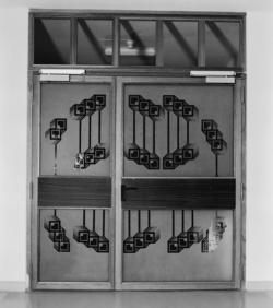 Homburg, Peter-Lembach, Glasfries und Türverglasung