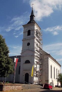 Mettlach-Orscholz, Pfarrkirche St. Nikolaus und St. Hubertus
