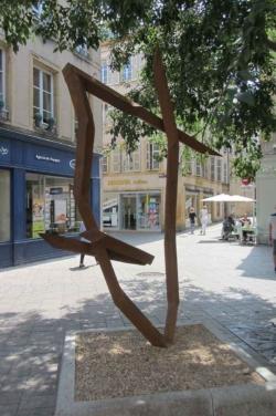 Metz, Schad, Skulptur